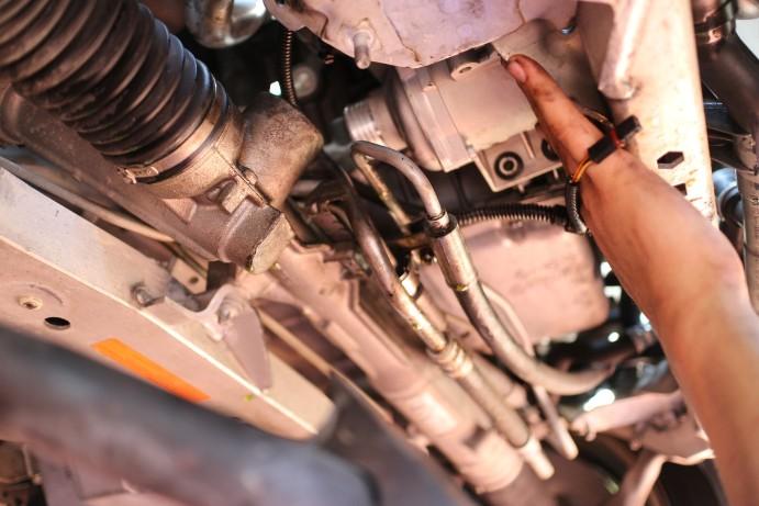 BMW E91 325iのオイル漏れ修理と電動ウォーターポンプの交換
