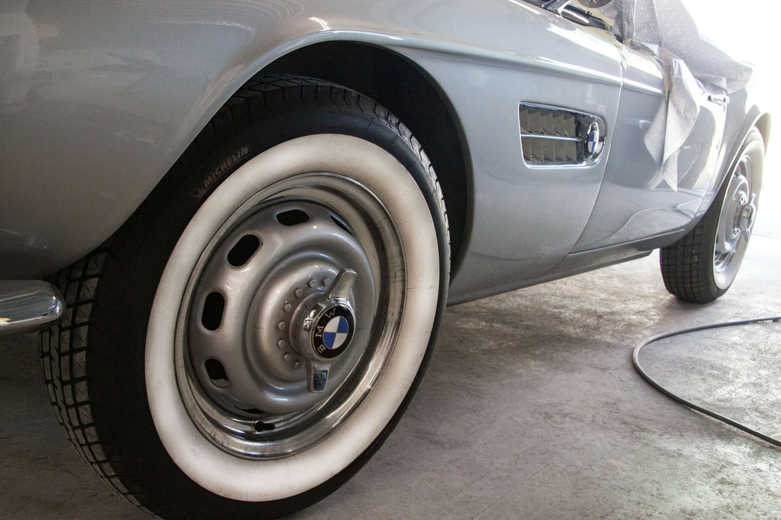 BMW・MINI専門の板金塗装サービス開始のお知らせ